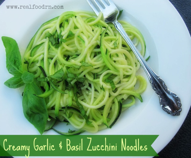 Creamy Garlic and Basil Zucchini Noodles