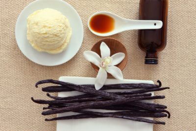 GettyImages 115094195 56a592145f9b58b7d0dd6fe3 How to Make Homemade Vanilla Extract